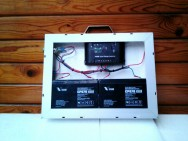 Преносимо соларно зарядно - 100 W